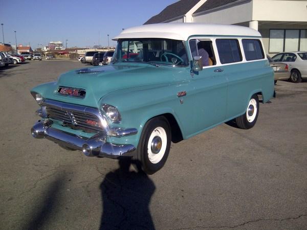 What A Face 1957 Chevrolet Suburban 3100