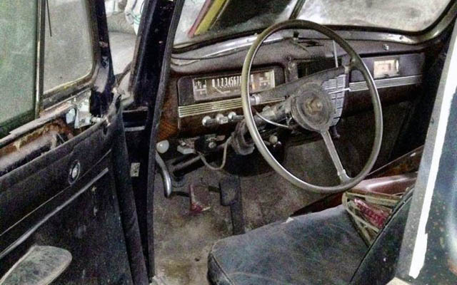 Packard 180 Interior