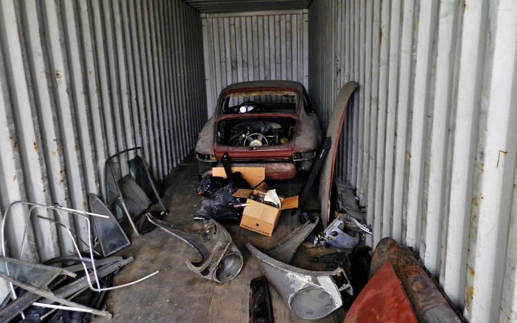 Porsche 911 Container Find