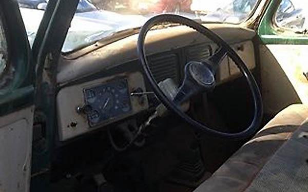 Studebaker E10 Interior