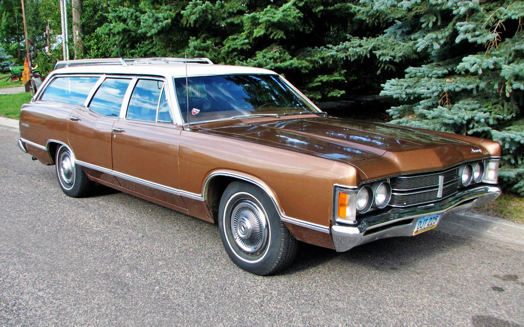 Two Tone Longroof: 1970 Mercury Monterey Wagon