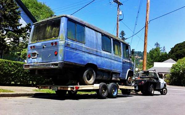 Bargain bus 1974 mercedes 309d for Mercedes benz 309d