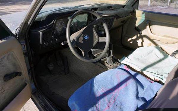 1981 BMW 320i Interior