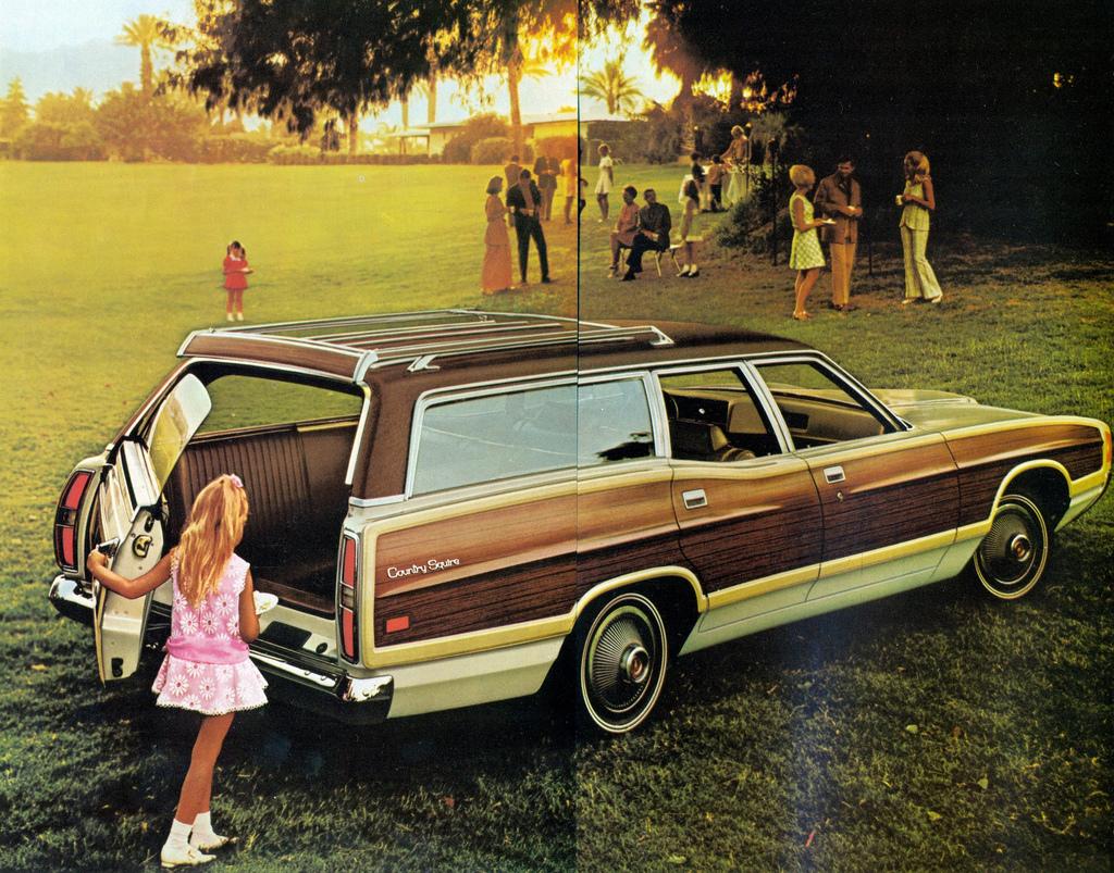 Two Tone Longroof 1970 Mercury Monterey Wagon