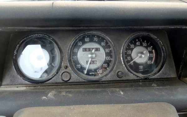 BMW 2002 Dash