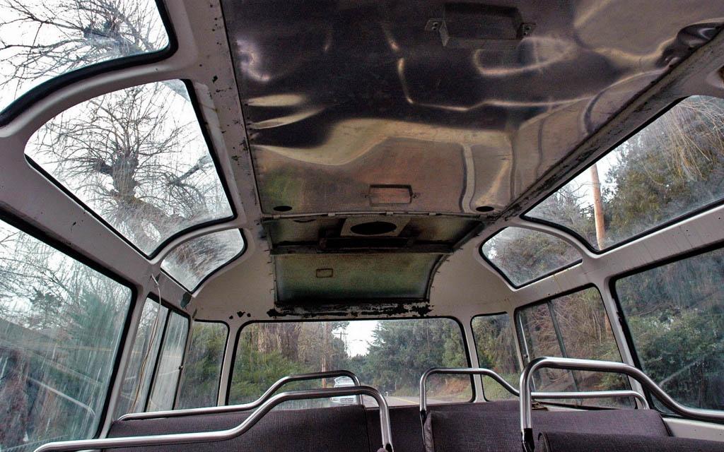 Mercedes 0319D Interior