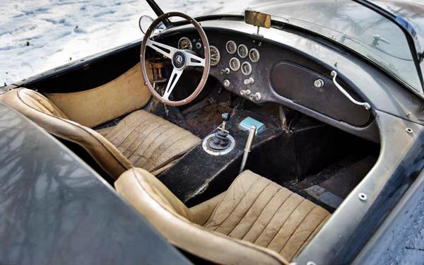 Shelby Cobra 289 Interior
