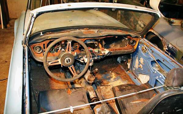 Triumph TR6 Dash