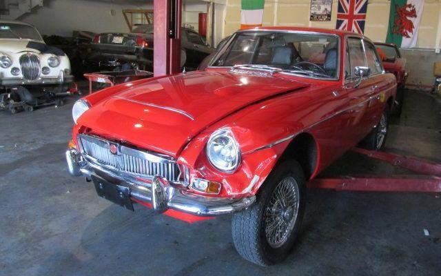 Junkyard Jewel: 1969 MGC GT