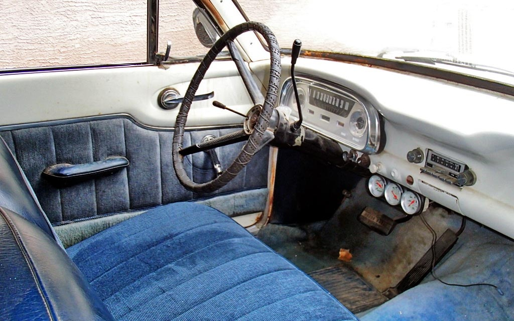 1960 ford ranchero interior