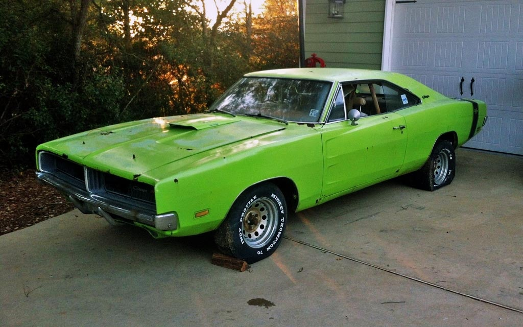 Born 2 Run 1969 Dodge Charger R T