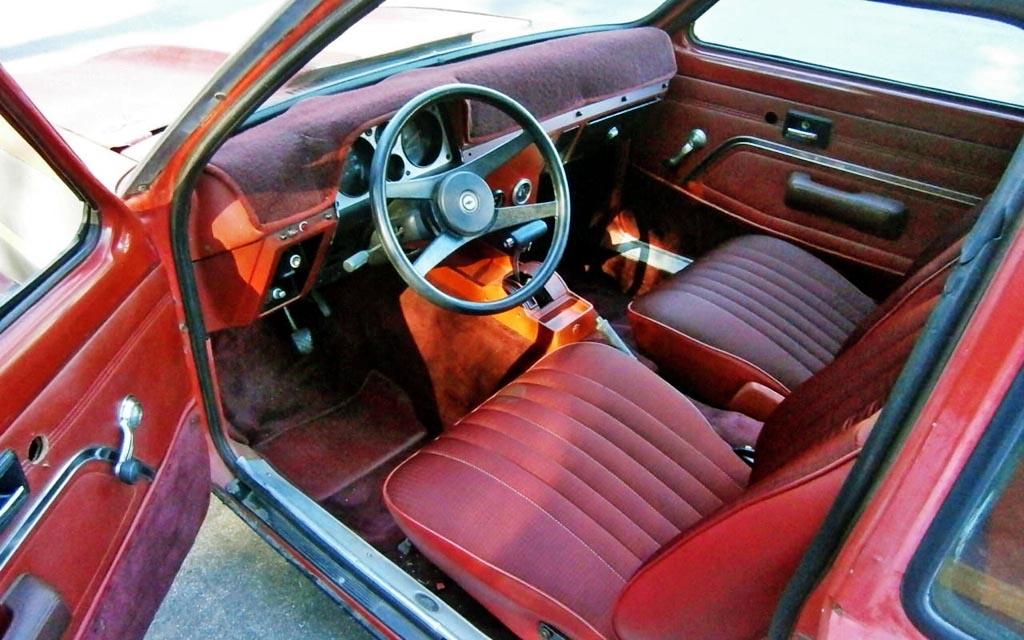 Street Rodder Magazine >> A Bit Badder: 1976 Chevy Chevette V8