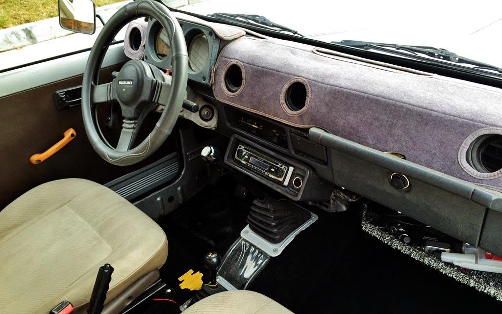 1985 Suzuki Samurai Interior