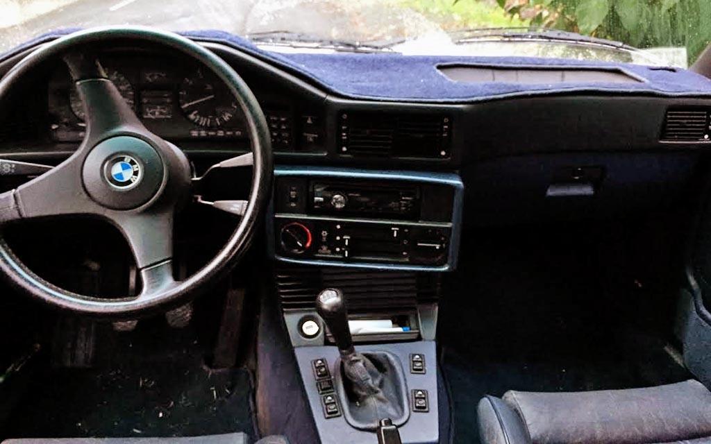 1987 BMW 535is Dash
