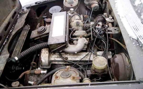 Triumph V8