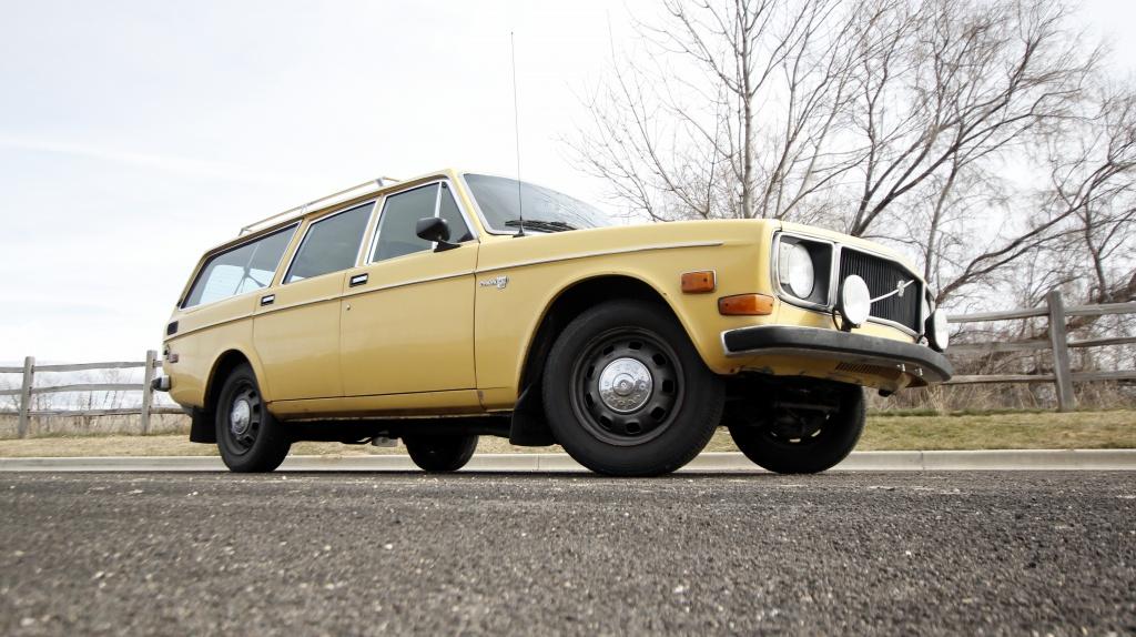1972 Volvo 145E: Rally Wagon