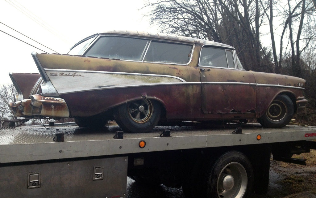 1957 chevrolet nomad rust wagon. Black Bedroom Furniture Sets. Home Design Ideas