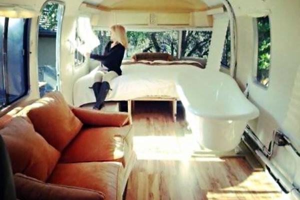 Face Off 1974 Airstream Vs 1968 Winnebago