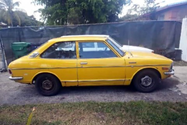 Plain Yellow: 1973 Toyota Corolla