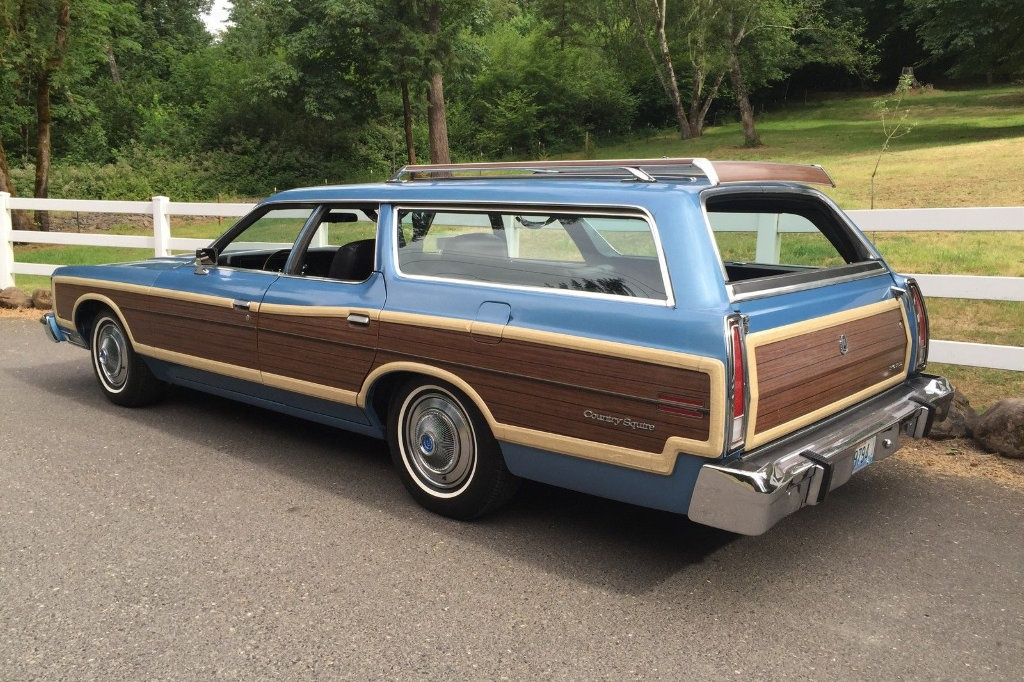 1973 Ford Country Squire: Big Block Wagon