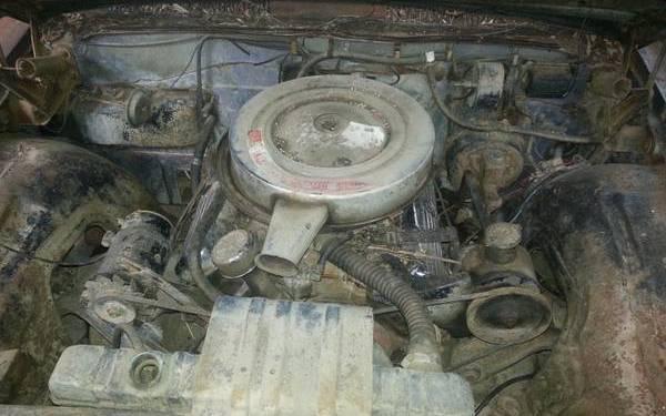 394 Skyrocket V8