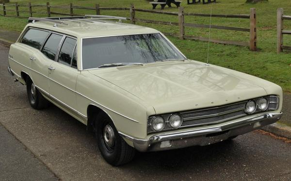 Family Sleeper: 1969 Ford Country Sedan Wagon