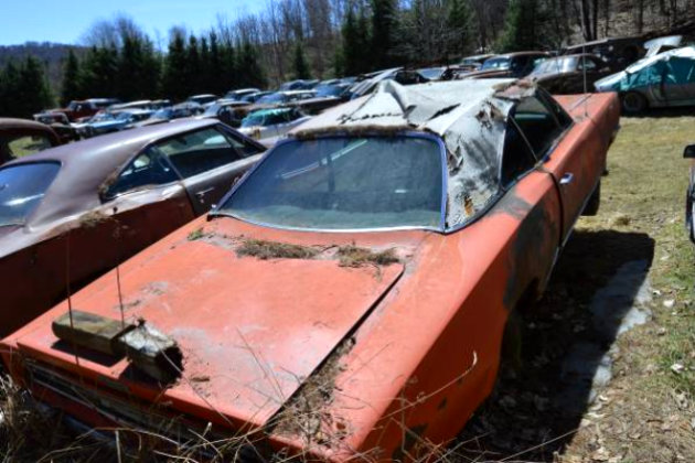 Salvage yards junk cars 12