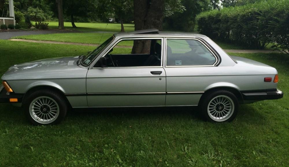 1982 BMW 320i: 26,328 Miles