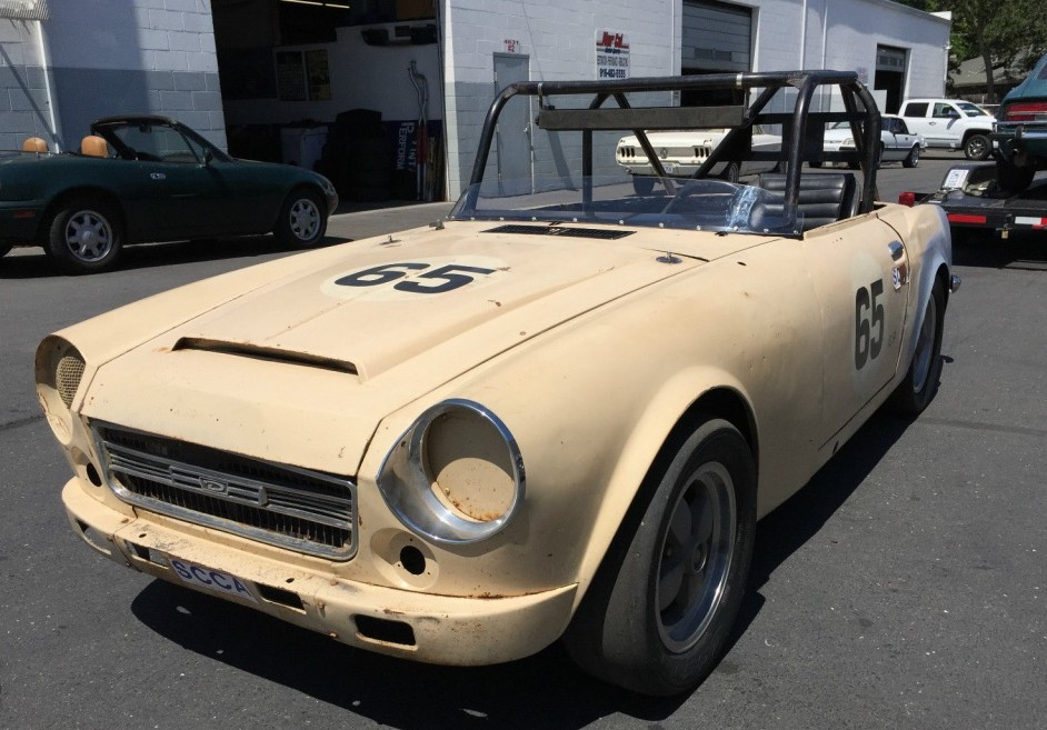 Cheap Fast Cars Under 5000 >> 1968 Datsun 2000 Roadster: Low-Buck Racer