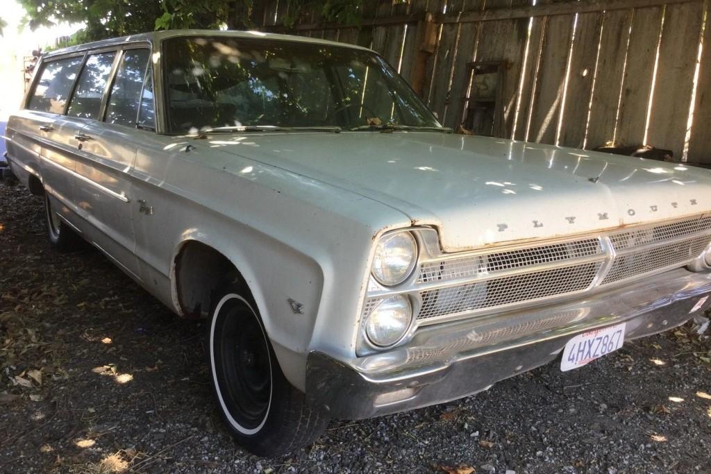 Inexpensive Wagon: 1965 Plymouth Fury