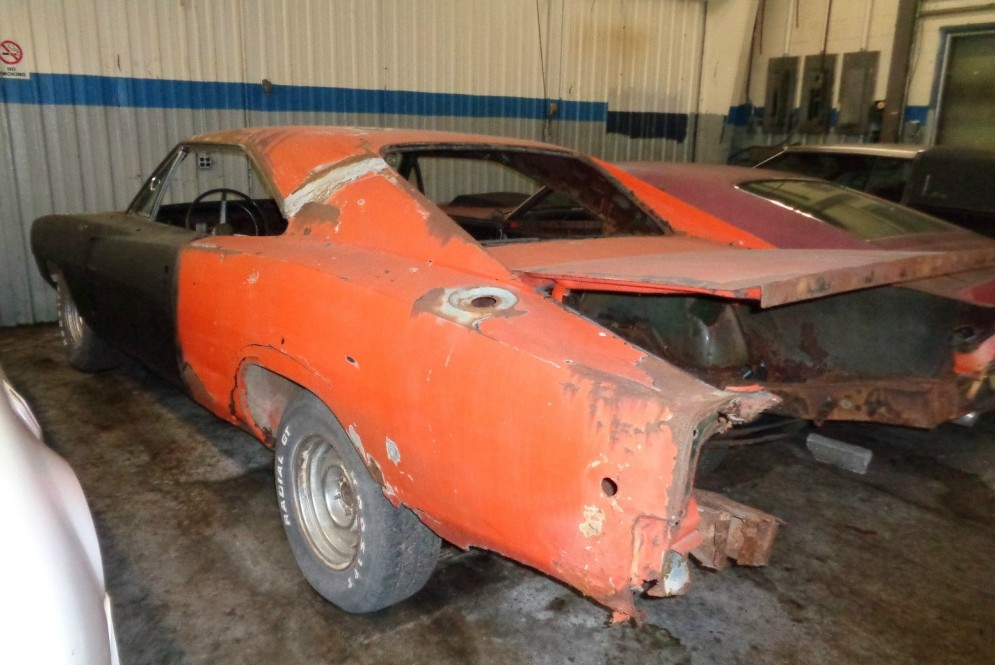 dodge charger 1970 on ebay with 1969 Dodge Charger Former General Lee on 1973 Plymouth Fury Pictures C9189 as well Hemi Survivor 1970 Dodge Challenger Rt furthermore 142295540136 also 371708686983 also 1969 Dodge Charger Former General Lee.
