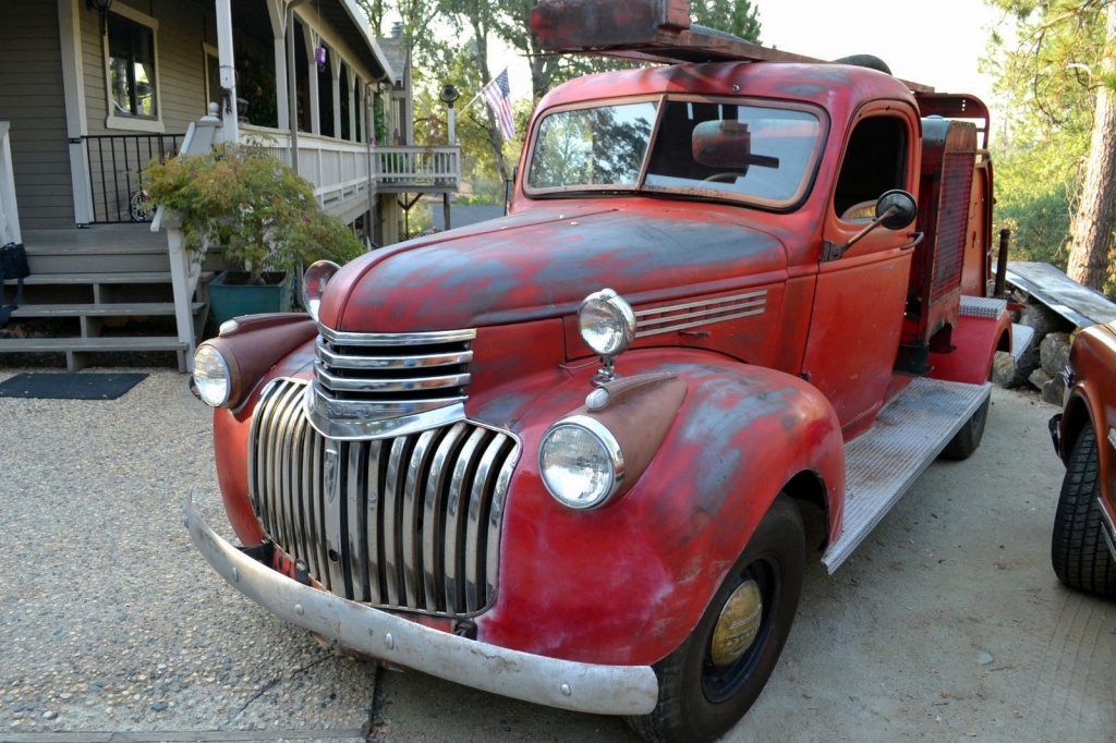 Twin Engine Fire Truck 1942 Chevrolet