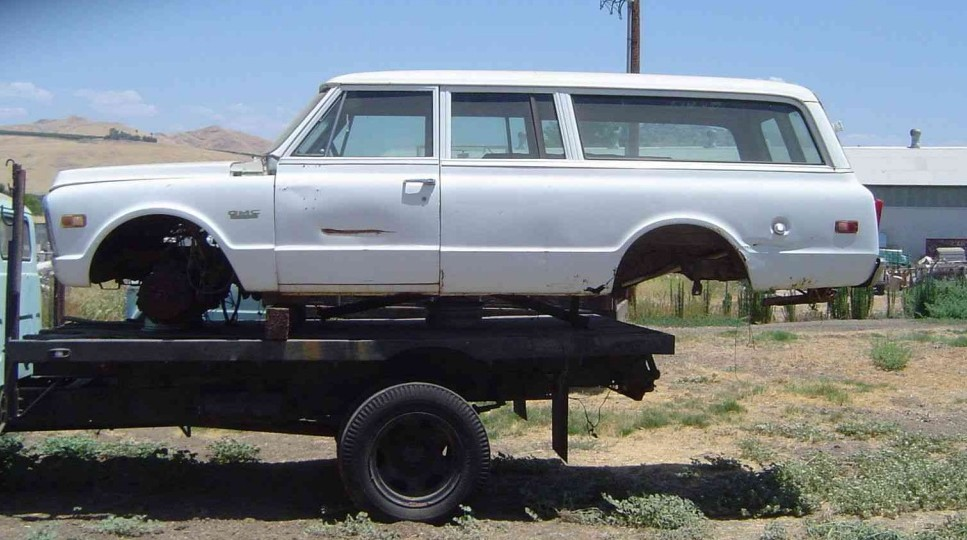 suburban3 & 1972 GMC Suburban 3-Door: Gonna Sell \u0027Em All