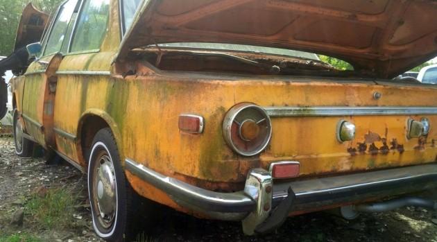 Junkyard BMW 2002