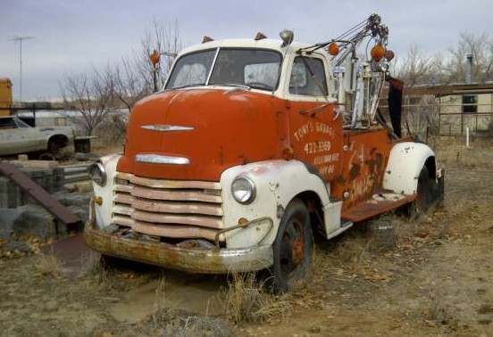 1949 Chevy COE Wrecker: Full Rotation