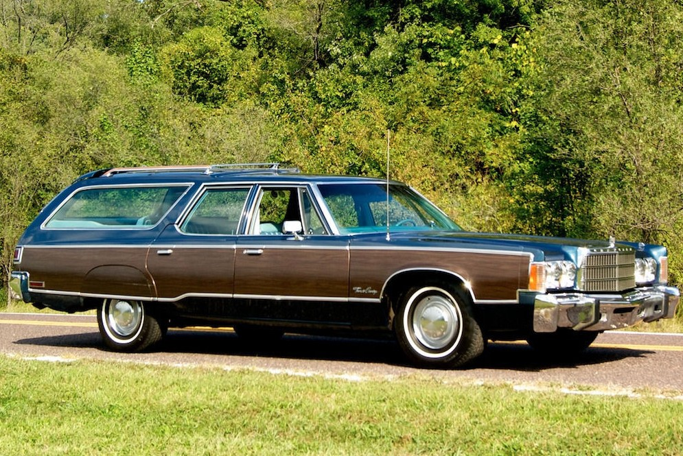 Used Chrysler Town And Country >> Classic Wagon: 1977 Chrysler Town & Country