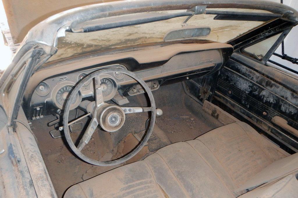 1967 mustang convertible interior