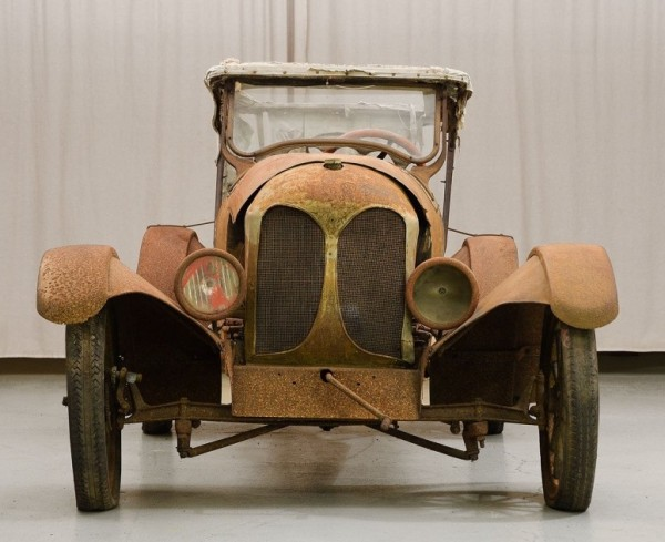 '21 Faultless Raceabout front