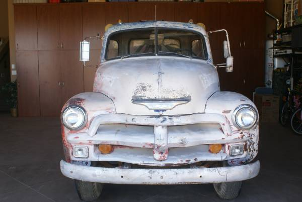'54 Chevy 3800 tow front