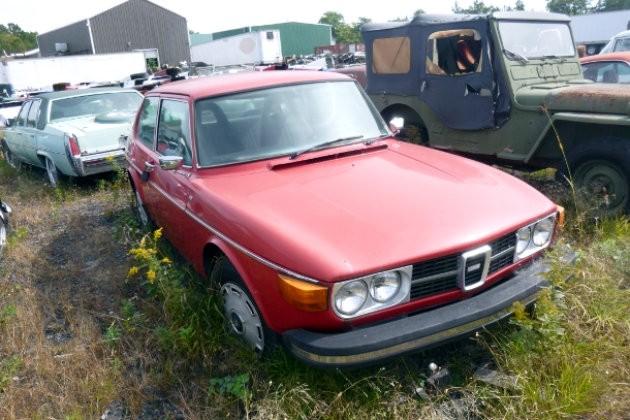 Salvage Auction Saab
