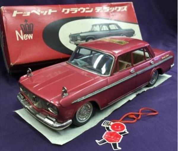 Toyopet Crown Deluxe