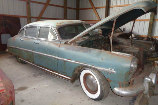 I Think This Is A 1952 Hudson Hornet Wonder What Made One Special Enough To Be Kept Indoors It Certainly Looks Restorable And Comes With