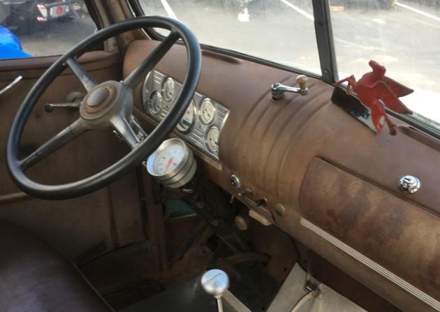 '46 Chevy COE dash