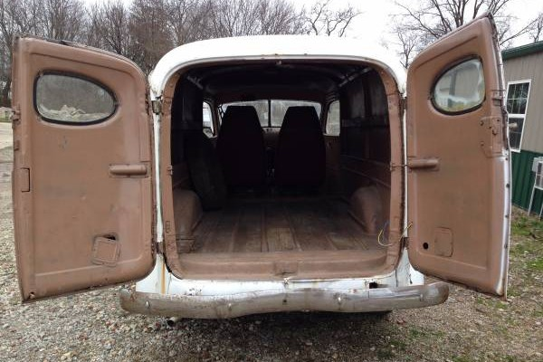 '46 Chevy Panel rear open