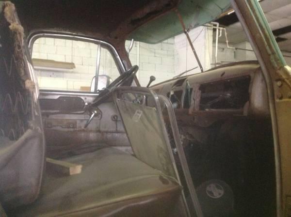 '49 COE Chevy int.