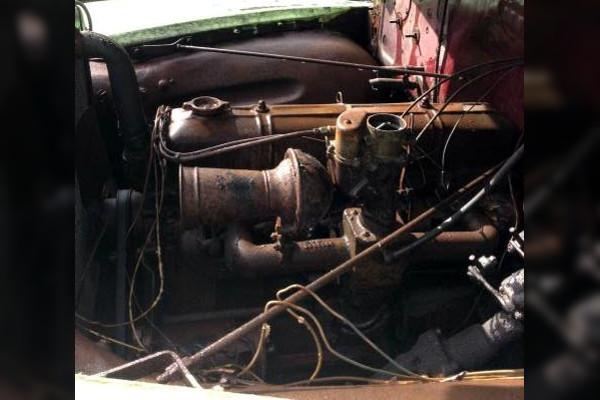 49-Chevy-panel-engine