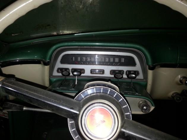 '54 Sun Valley dash