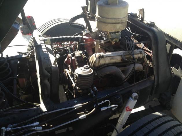 '58 Ford C 800 engine