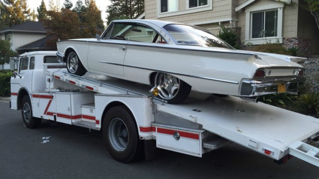 '58 Ford C800 with car