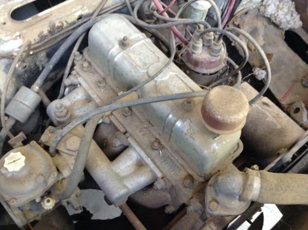 '58 Triumph 4 dr engine